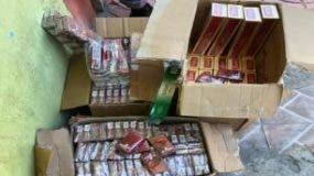 Parte de la mercancía incautada por la Policía.