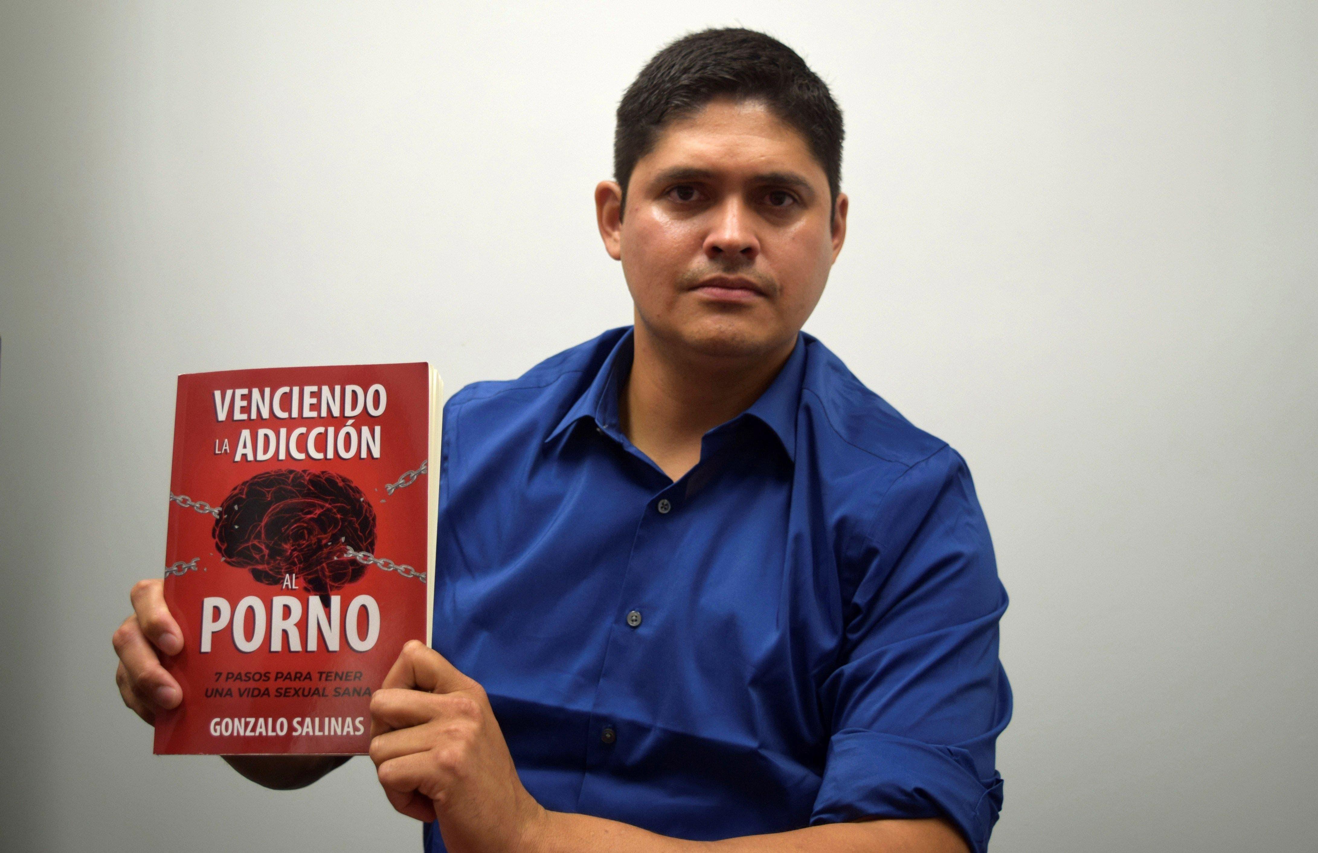 El peruano Gonzalo Salinas  ha publicado en Estados Unidos un manual con siete pasos para vencer la adicción al porno.