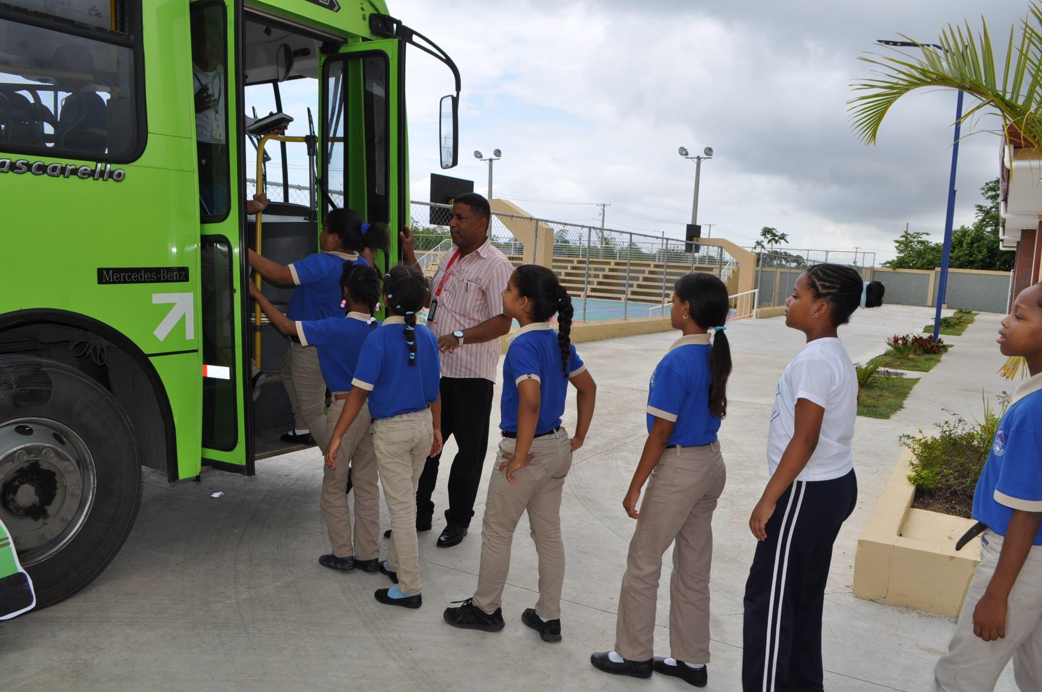 OMSA dice que capacitó en seguridad vial a más de 1, 200 estudiantes en mayo