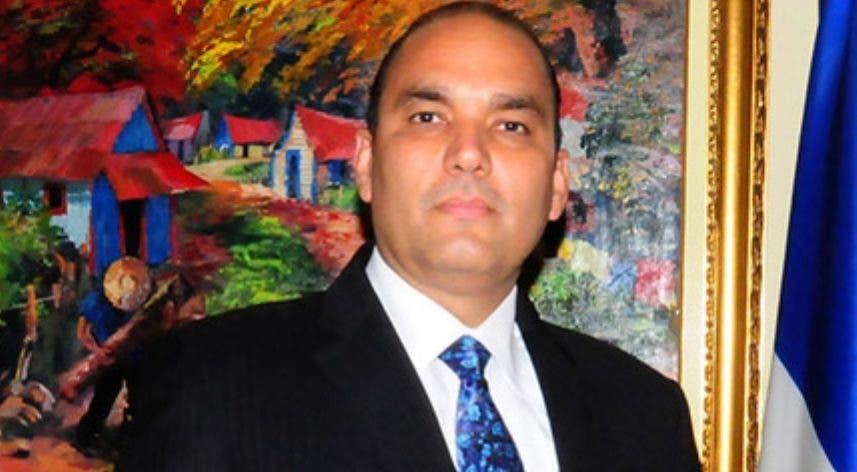 Enrique A.  Ramírez, director general de Aduanas.