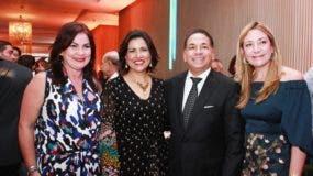 Isabel Guerra, Margarita Cedeño de Fernández, Wladimir Lendof y Isabel Turull.