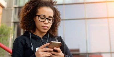 La red 5G permite que más dispositivos tengan acceso a internet todo el tiempo y a velocidades más rápidas.