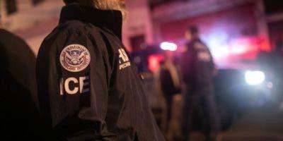 Los agentes de ICE podrán expulsar inmigrantes sin pasar por los tribunales.