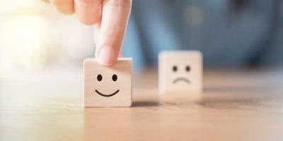 Perseguir la felicidad, dice Euba, es un concepto importado.
