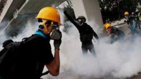 La policía ha utilizado gases lacrimógenos para tratar de dispersar a los manifestantes.