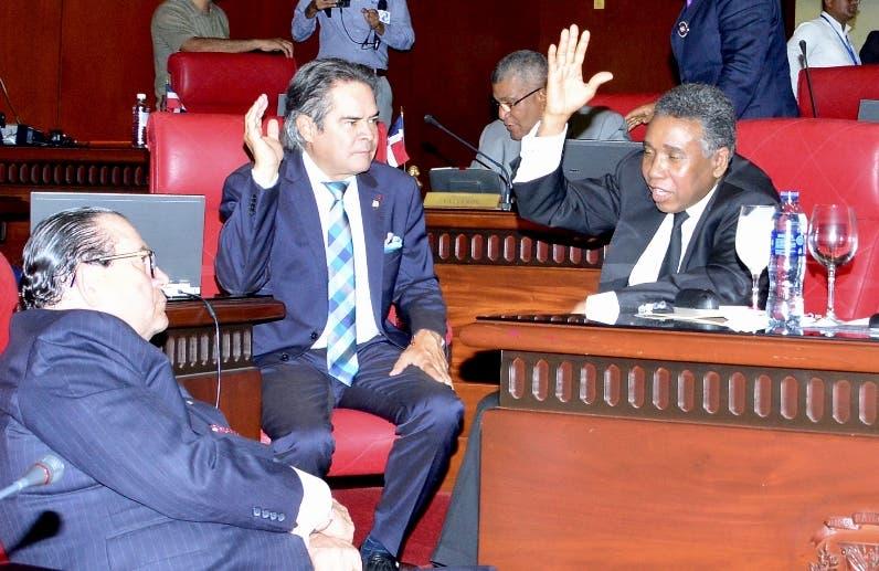 Senadores sesionaron sin Reinaldo Pared Pérez.
