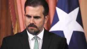 """Nacido en San Juan el 7 de marzo de 1979, es el menor de los tres hijos del exgobernador Pedro Roselló (1993-2001) y accedió al poder en enero de 2017, puesto que ha dejado tras dos años y medio al frente de una isla en quiebra, con una deuda de unos 75.000 millones de dólares y una gestión """"dudosa"""" tras el huracán María."""