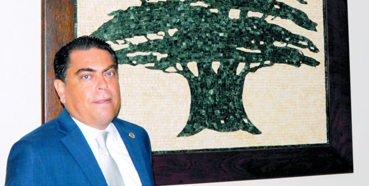 Alfred Melek    y el Cedro del Líbano, denominado 'árbol de la vida',  dura dos mil años.  Nicolás Monegro