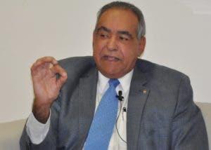 Rector de Unibe, Julio Amado Castaños Guzmán.