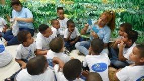 Parte de los niños  en el campamento .  Externa