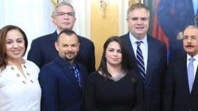 Ejecutivos de Jet Blue visitaron al presidente Danilo Medina.  FUENTE EXTERNA