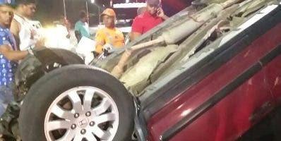 Uno de los vehículos involucrados en accidente.