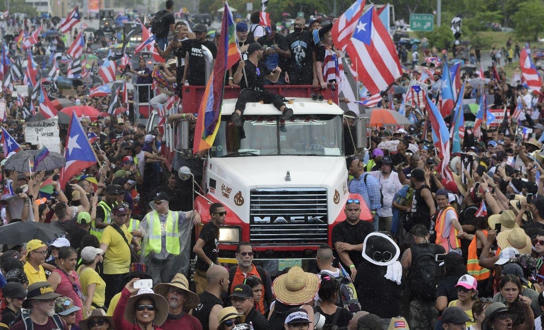 7.  En las calles de Puerto Rico se mantienen las protestas para que renuncie Ricardo Rosselló.