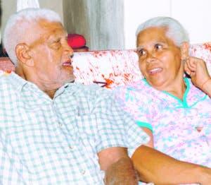 Melania  junto a su esposo Porfirio Luna.  Nicolás.   Monegro