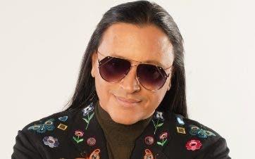 Elvis Crespo es representado aquí por EH eventos.
