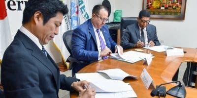 Representantes de las entidades que firmaron acuerdo.
