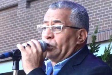Henry García, cantante.
