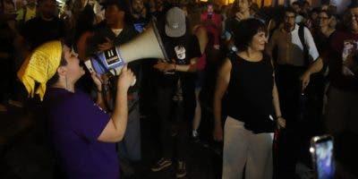 Un colectivo social  pidió la renuncia de Ricardo Rosselló.