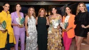Atenas Hernández, Helen Blandino, Sheryll González, Montserrat Puig, Maria Conchita Alcala, Glency Féliz y  Gaby Desangles.
