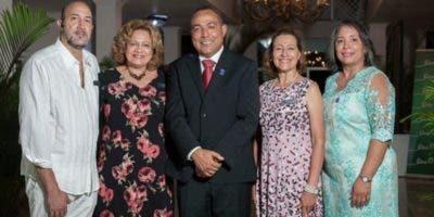 José Manuel Antuñano, Sofía Castillo de Reyes, Julio Cruz, Fabiola de Devárez y Rosa María Cuesta.