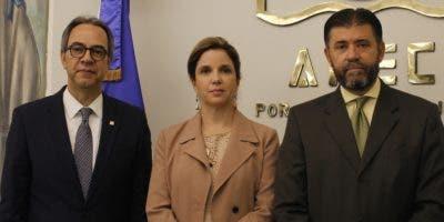 José Mármol,  Elsa Turull de Alma y Justo Pedro Castellanos.