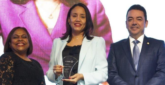 Georgina Valdez, Maribel Mesa y Andrés Mejía.
