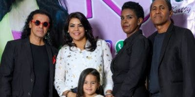 Jariko Jaspe, Katty Ortiz, Mayra Acosta, Aquiles de la Rosa y Kaisha Salomé Ortiz.