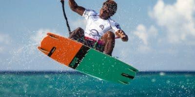 El dominicano Adeuri Corniel en plena acción durante una de las competencias.