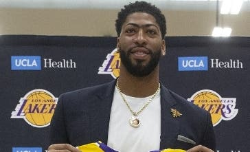 Anthony Davis ya se presemtó con los Lakers.