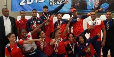 Integrantes del equipo que representó al país en el evento.