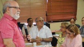 Zacarías Garib, director del PAI,  durante su exposición.