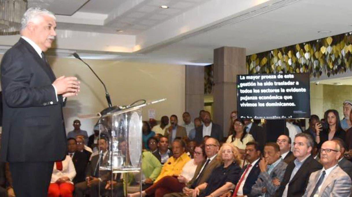 Miguel Vargas anunció apoyo al PLD ante dirigentes y militantes del PRD.  fuente externa