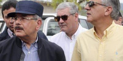El presidente Medina junto a   Gonzalo Castillo  y José Ramón  Peralta,   cercanos colaboradores.
