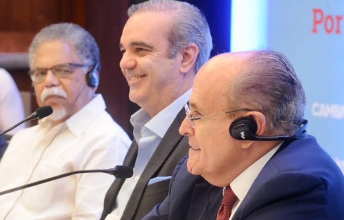 Rudolph Giuliani durante su comparecencia ante los medios de comunicación. Elieser Tapia