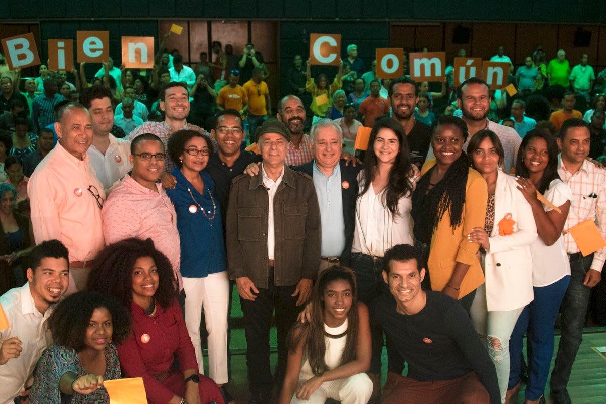 Miembros de Bien Común que participarán en la marcha hacia el Congreso.