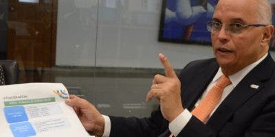 Ángel Canó, director ejecutivo de la Comisión Nacional de Energía (CNE), al participar en los coloquios de EL DÍA.   José de León