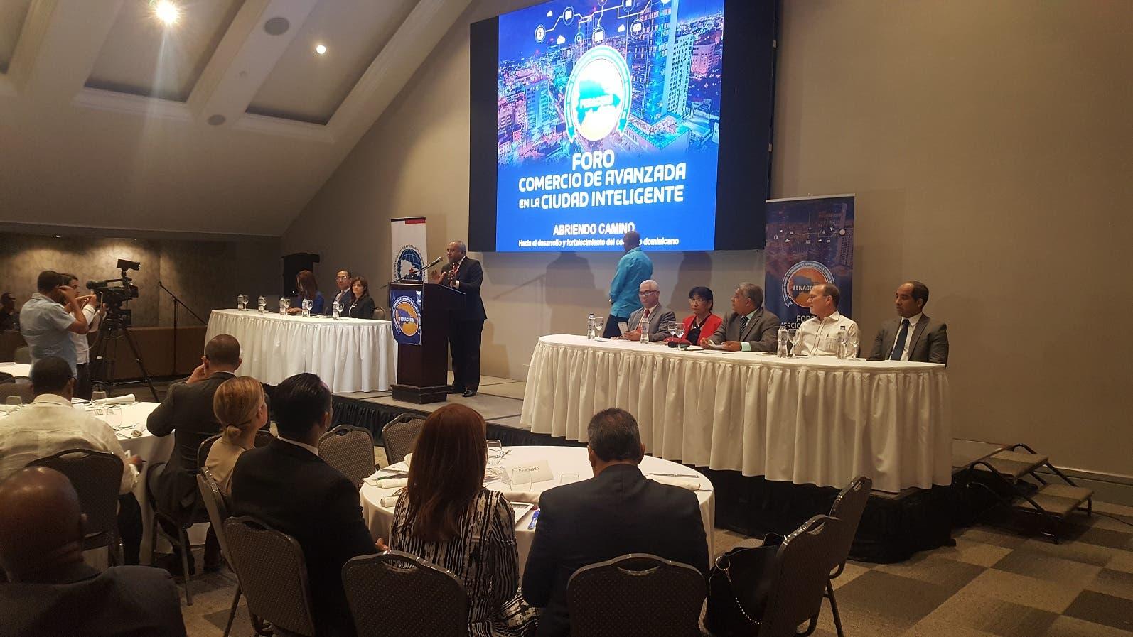 FENACERD dijo que el comercio minorista se siente amenazado por la incertidumbre que generan los conflictos políticos, los apagones, entre otros factores.