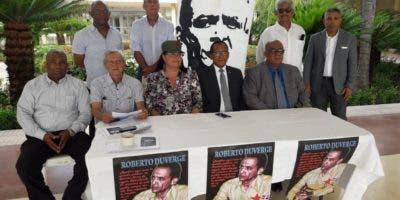 Comité de homenaje a Roberto Duvergé.