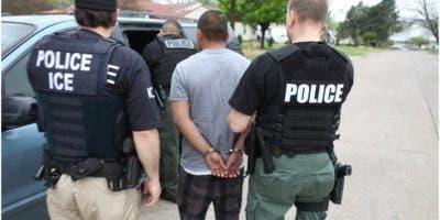 solicita-a-productores-programas-dominicanos-en-ny-orientar-a-inmigrantes