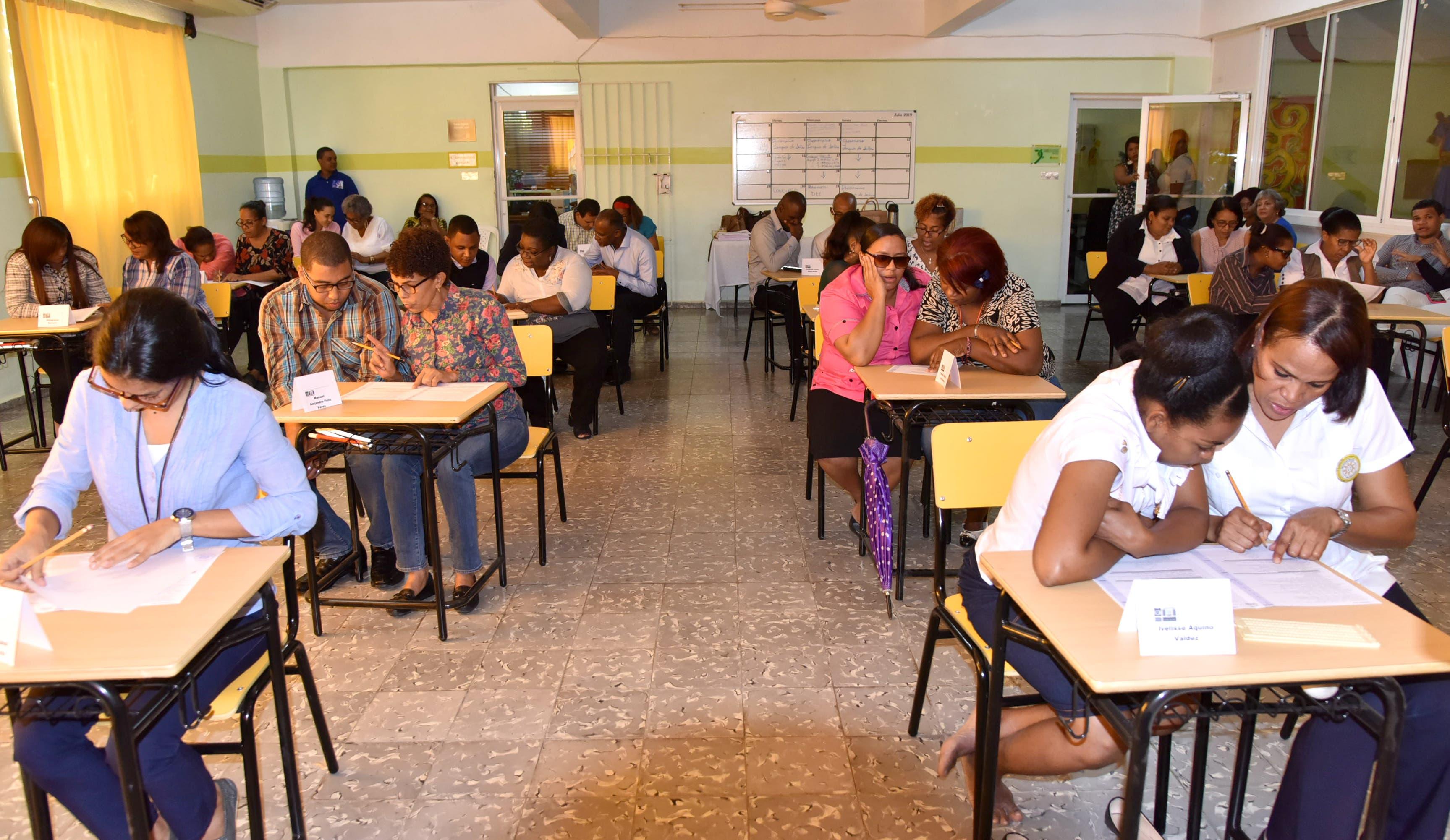 Profesores con discapacidad visual y auditiva fueron evaluados en Concurso de Oposición Docente