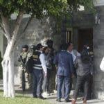 El allanamiento arrancó a primera hora de la mañana y corre a cargo de la fiscal Geovanna Mori, del equipo encargado de investigar las ramificaciones del caso Lava Jato en Perú, quien solicitó y obtuvo la autorización del Segundo Juzgado de Investigación especializado en delitos de Corrupción de Funcionarios. Foto cortesía de El Universo.