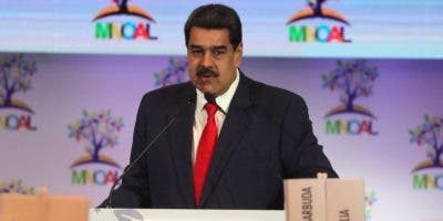 El presidente de Venezuela, Nicolás Maduro, habla este sábado durante la reunión del buró de coordinación del Movimiento de países No Alineados (Mnoal), en Caracas.