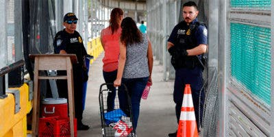 La Agencia de la ONU para los Refugiados (ACNUR) criticó de esta forma la medida que implica que EE.UU. rechazará a partir de hoy las peticiones de asilo de extranjeros que hayan pasado por un tercer país considerado seguro, sin que hayan presentado en éste una petición similar.