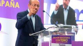 Juan Temístocles Montás lanzó su candidatura presidencial este domingo.