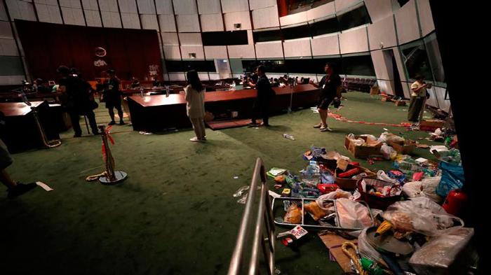 Arrestos por asalto a parlamento Hong Kong