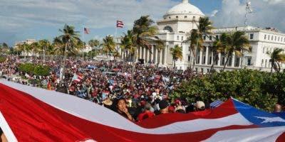 Miles de personas  se han congregado esta semana fuera de La Fortaleza, en el Viejo San Juan, para exigir la renuncia de Rosselló.