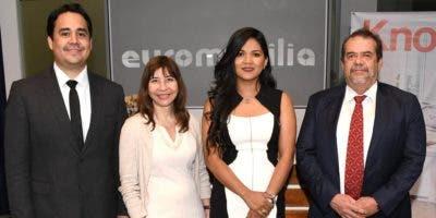 Johnny Fallas, Fabiana Stubrich, Laurie-Ann Wauke y Luis Gabriel Jurado.