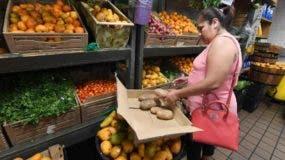 Los bancos de alimentos son, junto a los cupones de alimentación, una de las opciones a las que recurren los pobres en Estados Unidos.