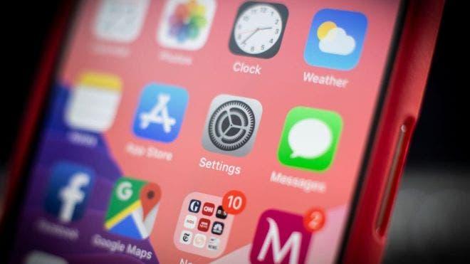 """La nueva versión del sistema operativo iOS contiene un error que permite """"liberar"""" los iPhone e instalar aplicaciones no autorizadas por Apple."""