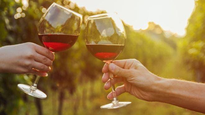 Las personas que toman alcohol gradual tienen menor riesgo de infarto